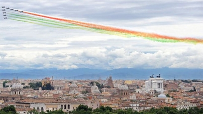 Italy's banks shaken as economic slump deepens