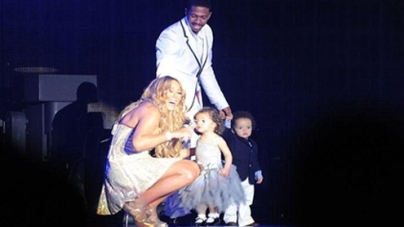 Mariah Carey Spends New Year First Day With Family