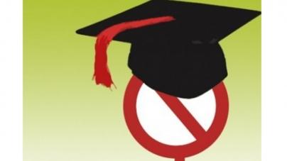 Minister's fake degree case: Peshawar judge stopped from giving verdict