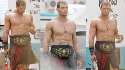 Kellan Lutz shows off his sculpted torso after gaining 20lbs
