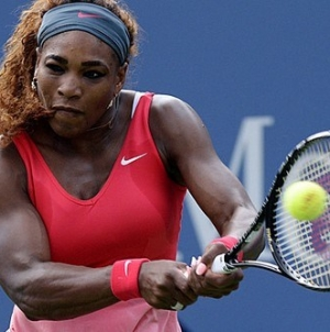 Serena Williams Relaxes, Rolls to US Open Quarterfinal
