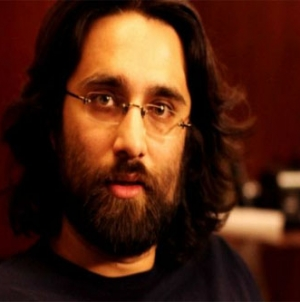 Ali Noor International Debut Song