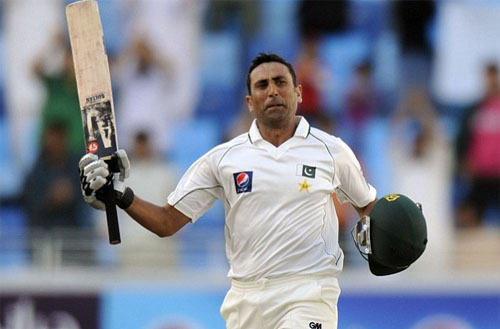 Pakistan on Top as Younis Khan Equals 90-year Record