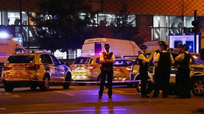 One Dead, Eight Injured As Vehicle Rams Worshippers Near London Mosque