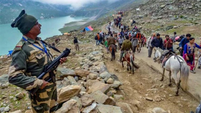 Leave Kashmir ASAP: J&K govt issues advisory for Amarnath yatra pilgrims and tourists