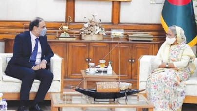 Hasina Calls for Strengthening ties with Pakistan
