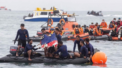 Sriwijaya Air Crash: Indonesia's Black Box Locator Damaged