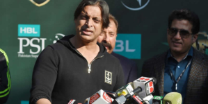Retirement controversy: Shoaib Akhtar asks Mohammad Amir to 'grow up'